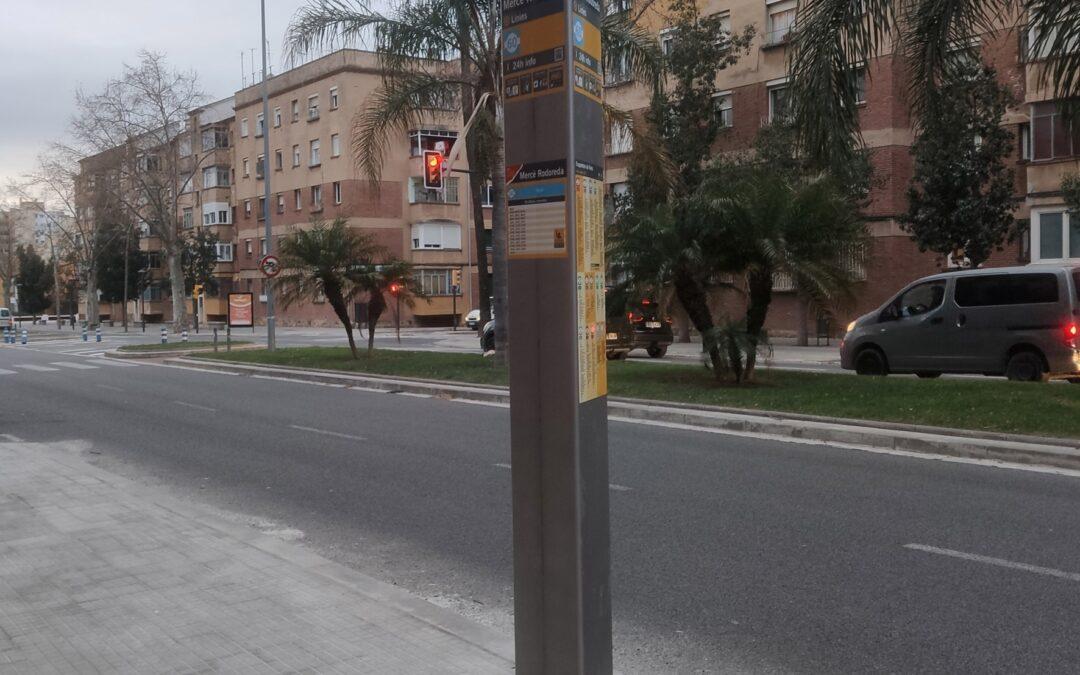 """Nova parada de la L60 """"Mercè Rodoreda"""" a l'avinguda de Salou"""